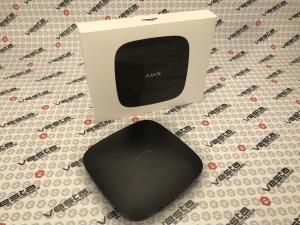 AJAX HUB / ЧОРНИЙ / централь охоронних безпровідних систем / макc.пристроїв - 100 / дальність зв'язку до 2000 м / термін роботи без живлення 15 год / колір чорний