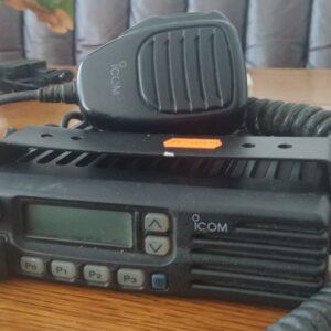 Автомобільна радіостанція Icom F-211 / uhf 440-470 мгц / аналог / потужність 45 ватт / дисплей / б.в.
